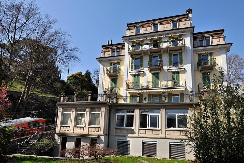 Appartamento di lusso a Lugano con ampio terrazzo e vista lago